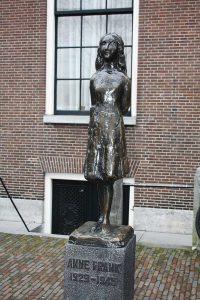 amsterdam-statue-anne-frank