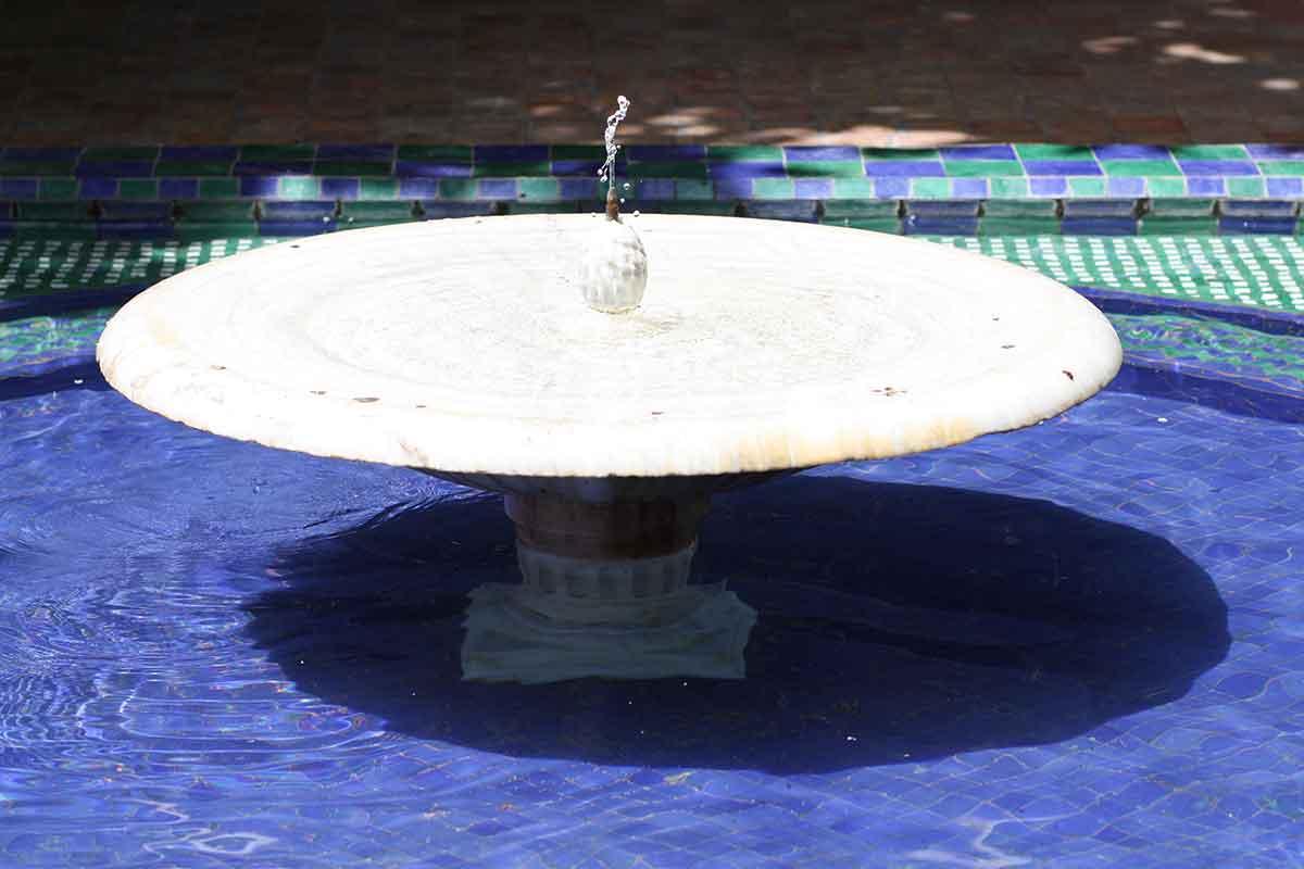 fontaine-entrée-jardin-de-majorelle-marrakech
