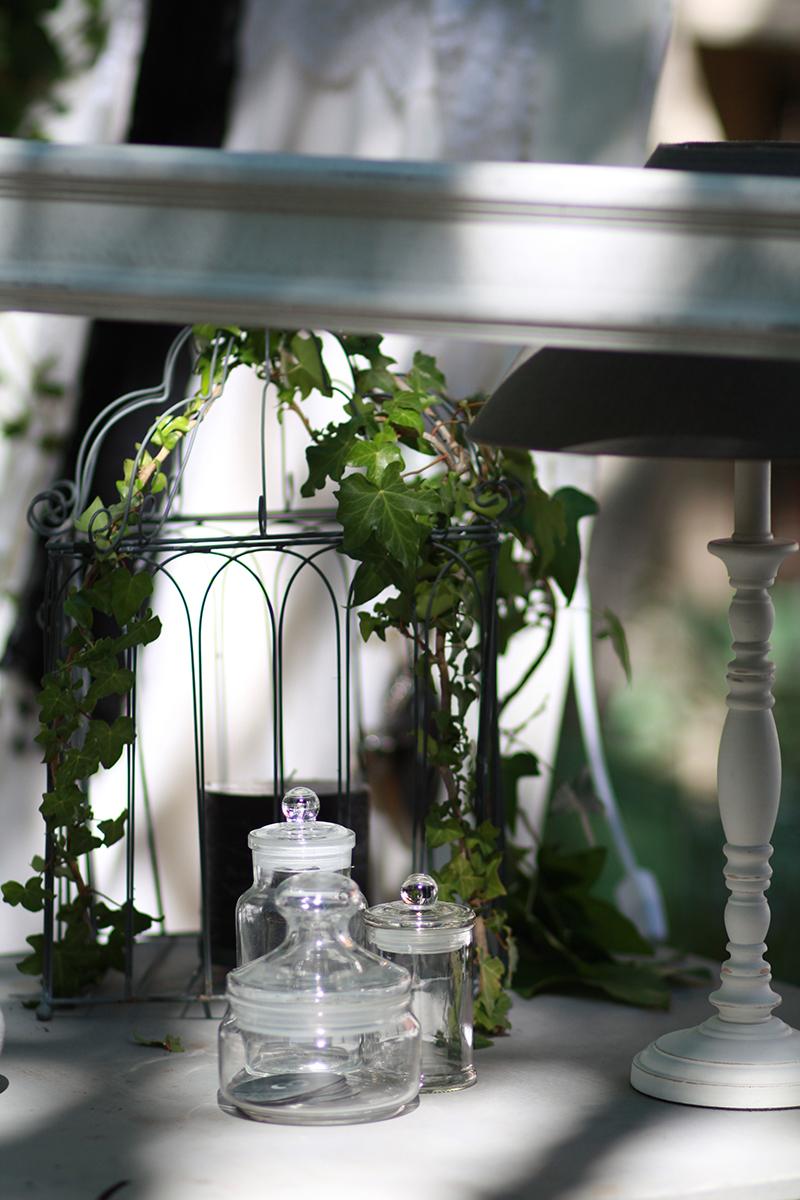 Photographe Ana Urac #Mariage #PhotoBooth Cage Lampe de chevet Pots en verre